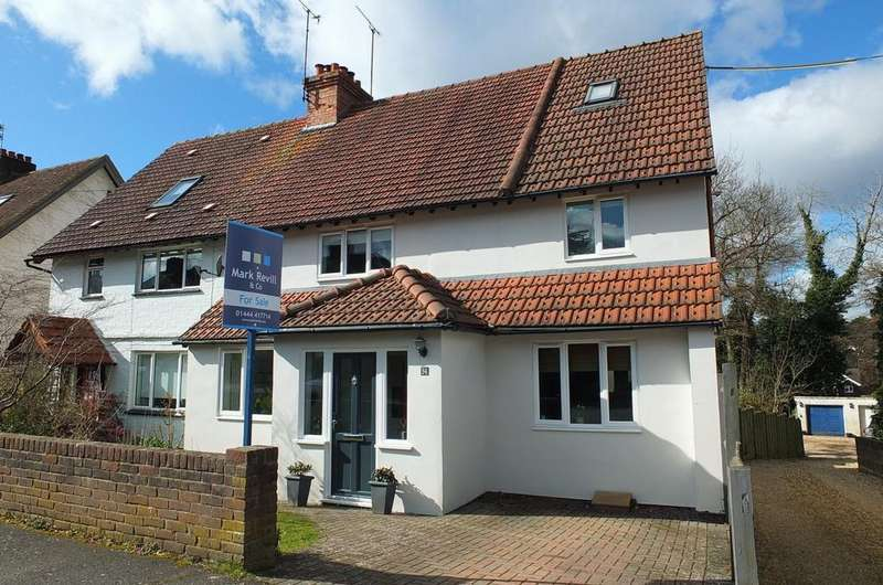 4 Bedrooms House for sale in Wood Ride, Haywards Heath, RH16