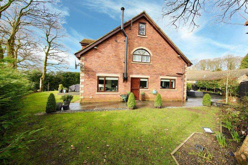 6 Bedrooms Detached House for sale in Linnet Hill, Bamford, Rochdale