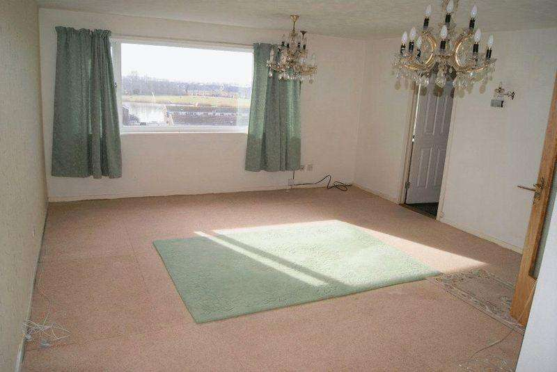 2 Bedrooms Apartment Flat for sale in Wallington Court, Killingworth, Newcastle Upon Tyne