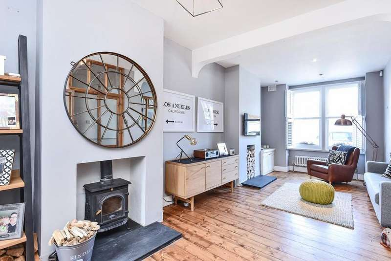 3 Bedrooms Terraced House for sale in Sun Lane, Blackheath