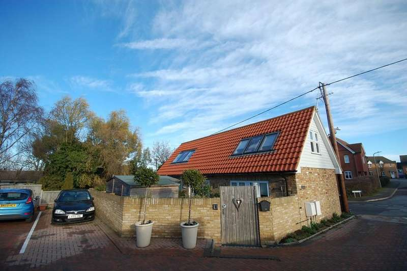 2 Bedrooms Barn Conversion Character Property for sale in Golden Hill, Whitstable