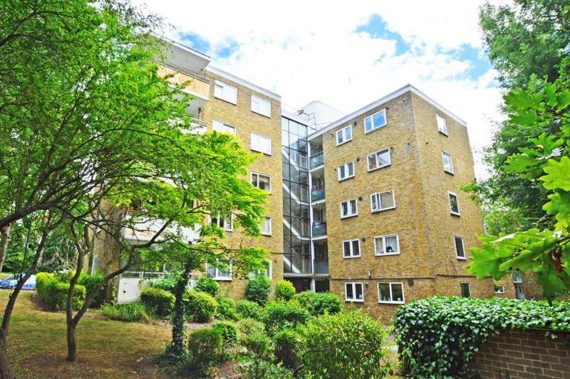 3 Bedrooms Flat for sale in Pagoda Gardens, Blackheath, London, SE3