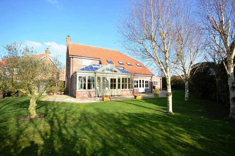 5 Bedrooms Detached House for sale in The Peacocks, Holt, Norfolk