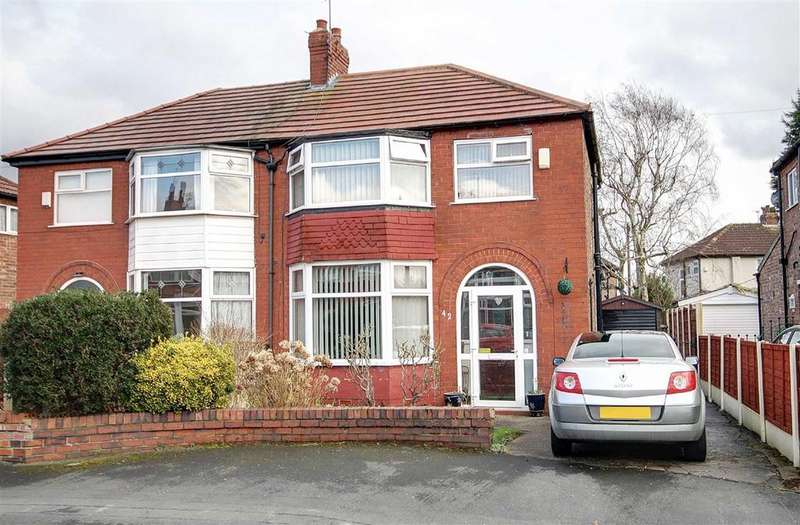 3 Bedrooms Semi Detached House for sale in Radlett Drive, Timperley, Cheshire