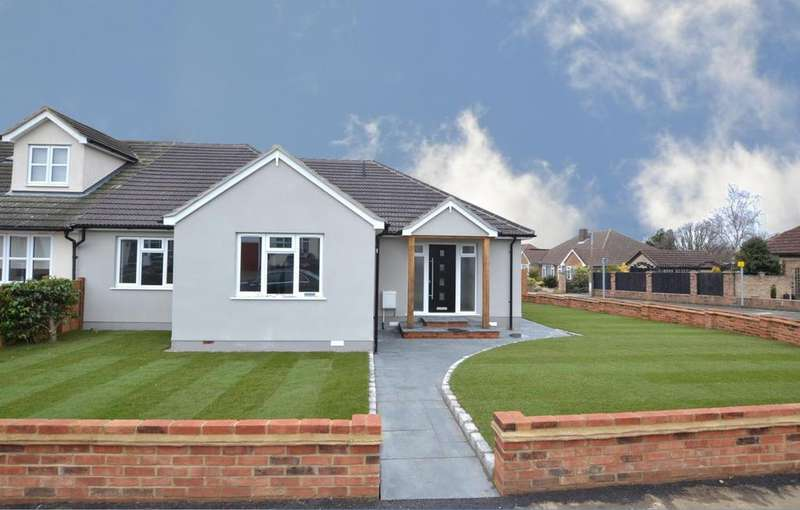 3 Bedrooms Semi Detached Bungalow for sale in Rushdene Road, Billericay, Essex, CM12
