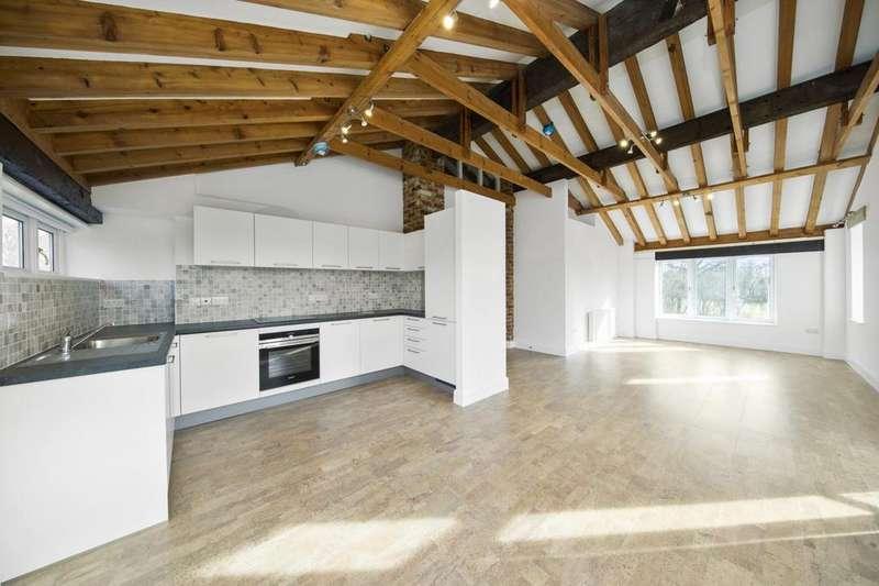 2 Bedrooms Flat for rent in Smithbrook Kilns, Cranleigh, Surrey, GU6