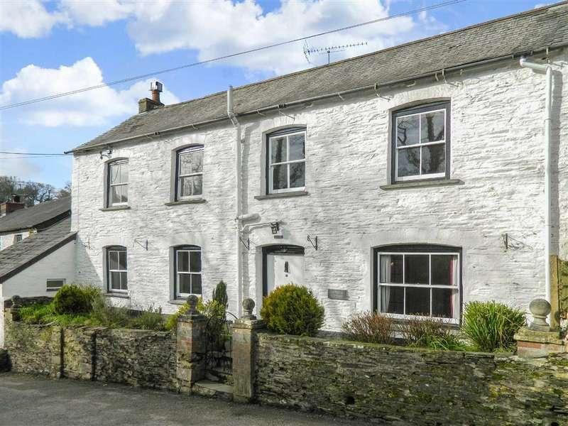 4 Bedrooms Semi Detached House for sale in Bridge Road, Saltash, Cornwall, PL12
