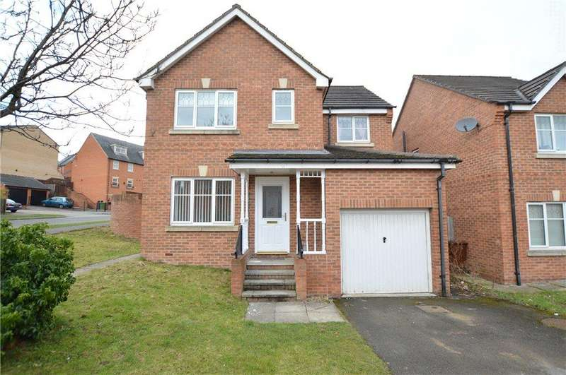4 Bedrooms Detached House for sale in Marchant Way, Churwell, Leeds