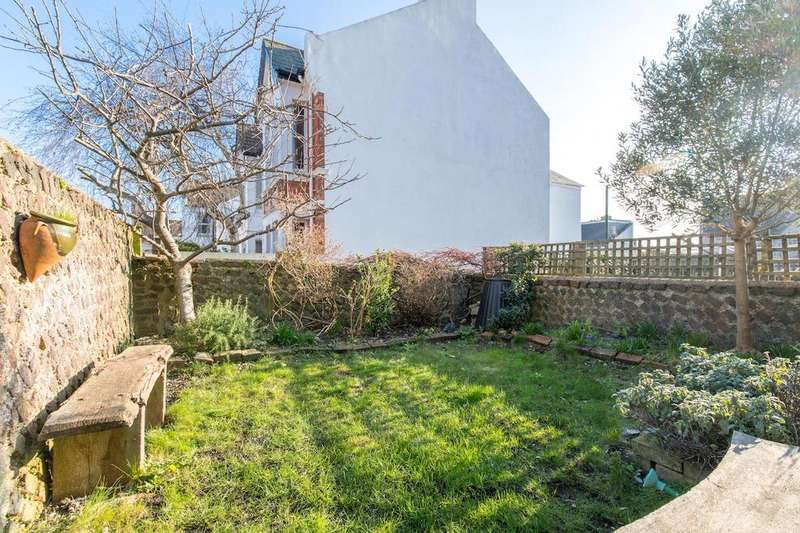 2 Bedrooms Flat for sale in Queens Park Road, Brighton