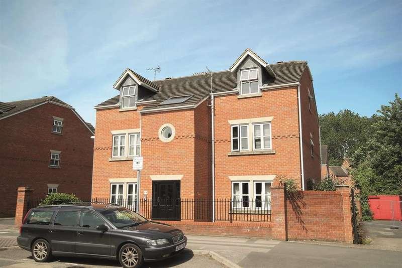 2 Bedrooms Flat for sale in Heworth Mews, York, YO31 7XX