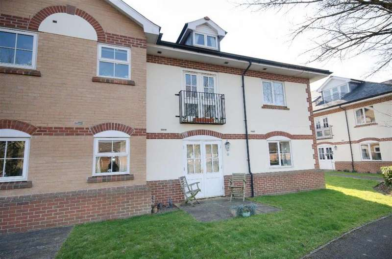 1 Bedroom Ground Flat for sale in Woodland Court, Partridge Drive, Bristol, BS16 2RD