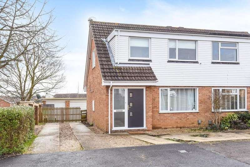 3 Bedrooms Semi Detached House for sale in Clover Road, Flitwick, MK45