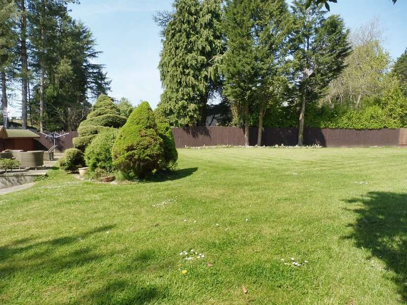 6 Bedrooms Detached House for sale in Westra, Dinas Powys