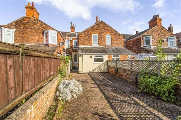 3 Bedrooms Terraced House for sale in Durban Road, Grimsby, Lincolnshire