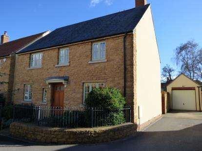 4 Bedrooms Detached House for sale in South Petherton, Somerset, Uk