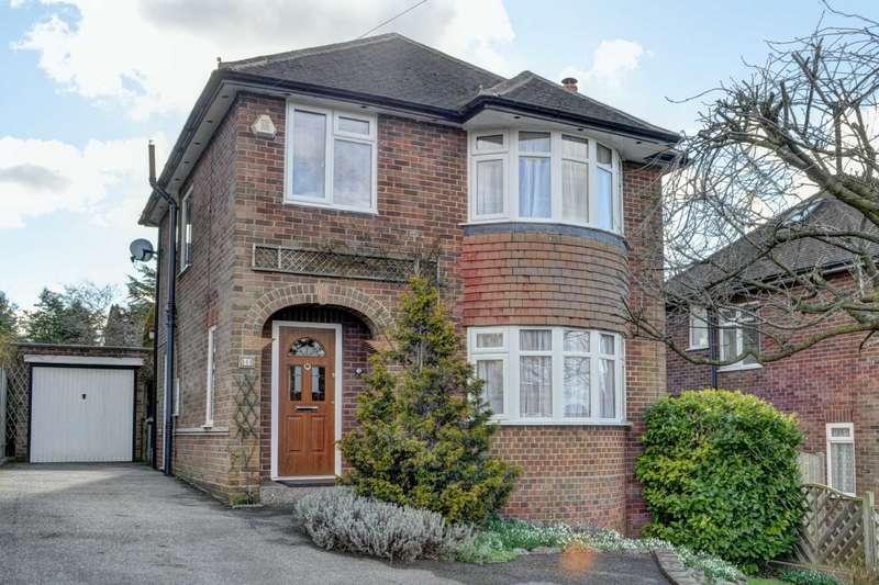 3 Bedrooms Detached House for sale in Carver Hill Road, Poets Corner