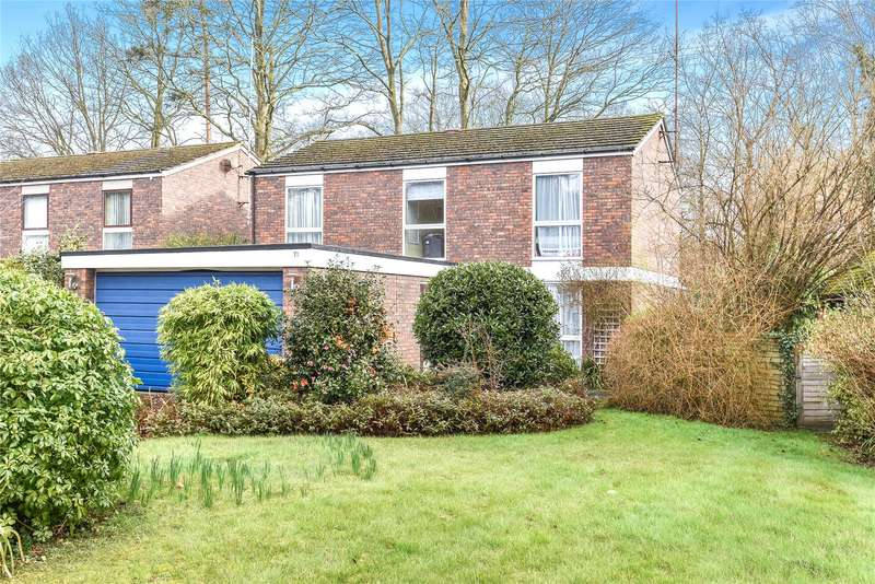 4 Bedrooms Detached House for sale in Wellesley Drive, Crowthorne, Berkshire, RG45