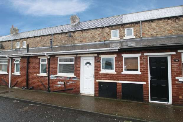 2 Bedrooms Terraced House for sale in Chestnut Street, Ashington, Northumberland, NE63 0BT