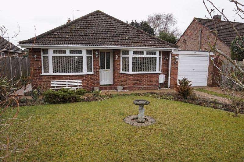 3 Bedrooms Detached Bungalow for sale in Breck Farm Lane, Taverham, Norwich