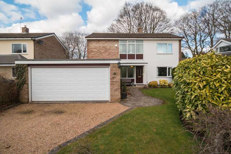4 Bedrooms Detached House for sale in Hadrian Way, Sandiway