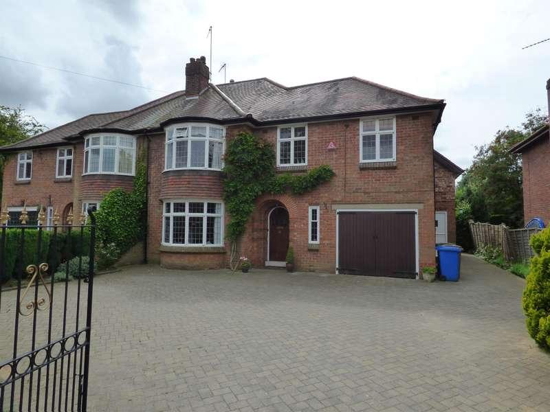 5 Bedrooms Semi Detached House for rent in Molescroft Road, Beverley, HU17 7EG