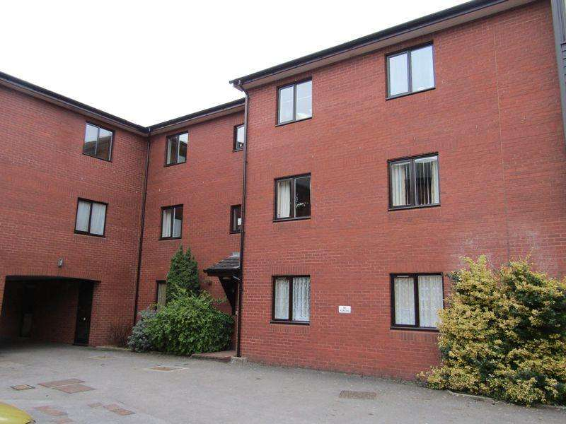 2 Bedrooms Apartment Flat for rent in Francis Court, Crediton