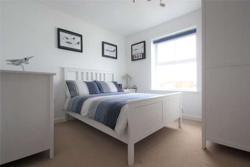 2 Bedrooms Apartment Flat for sale in Mountbatten Way, Chilwell, Beeston, Nottingham, NG9