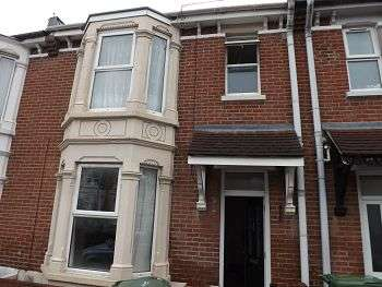 3 Bedrooms House for rent in Wallace Road, Portsmouth, PO2 7LA