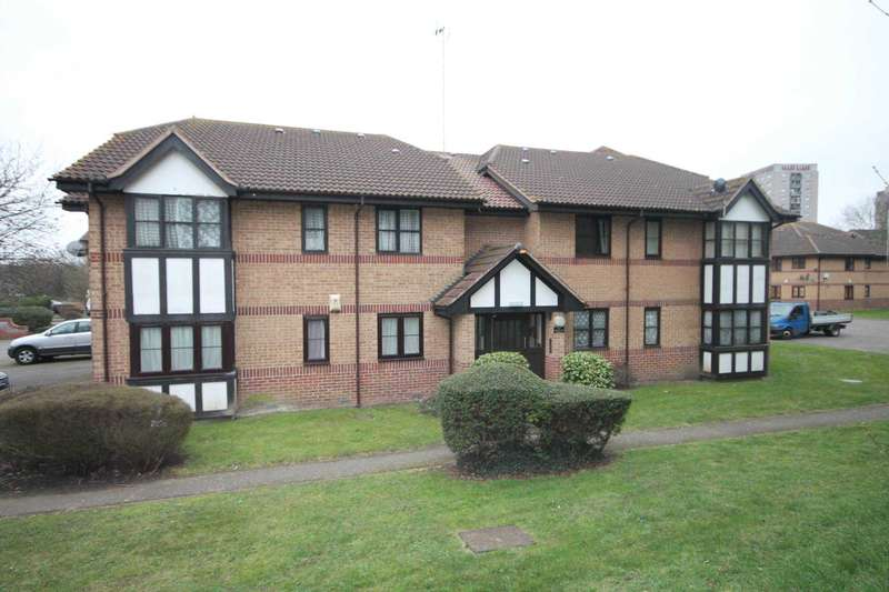 2 Bedrooms Flat for sale in Frobisher Road, Erith