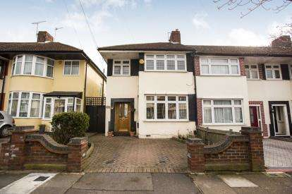 3 Bedrooms Semi Detached House for sale in Hainault, Essex