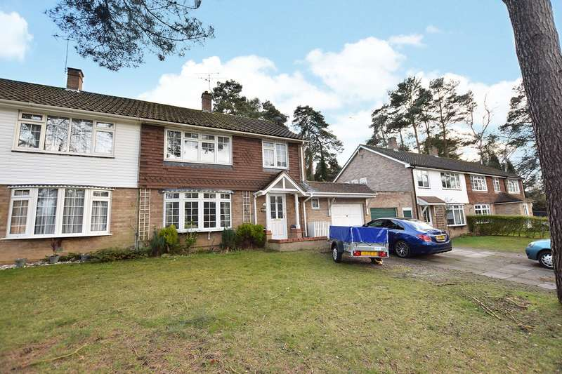 3 Bedrooms Semi Detached House for rent in Abbey Close, Bracknell, Berkshire, RG12
