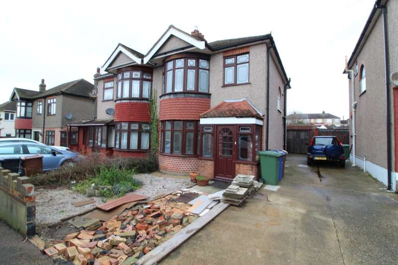 3 Bedrooms Semi Detached House for rent in Lowlands Road, Aveley