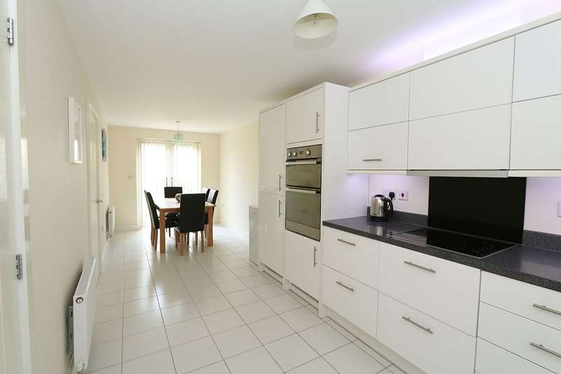 4 Bedrooms Link Detached House for sale in 2, Wolseley Drive, Dunstable, Bedfordshire, lu6 1fh