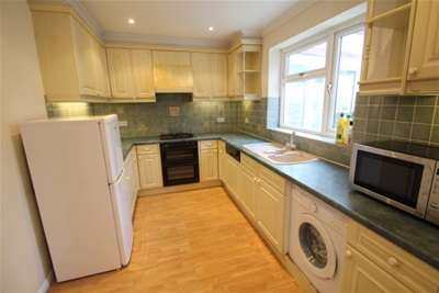 2 Bedrooms House for rent in Beddington Road, Orpington