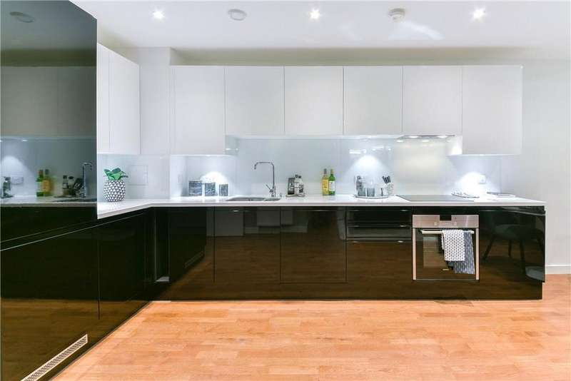 2 Bedrooms Flat for sale in Discovery Tower, Canning Town, London, E16