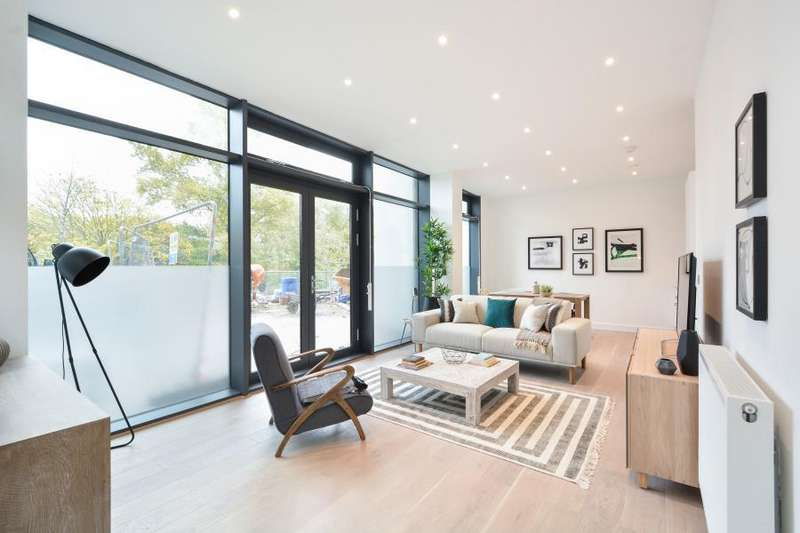 2 Bedrooms Apartment Flat for sale in D Waterside Apartments, E9