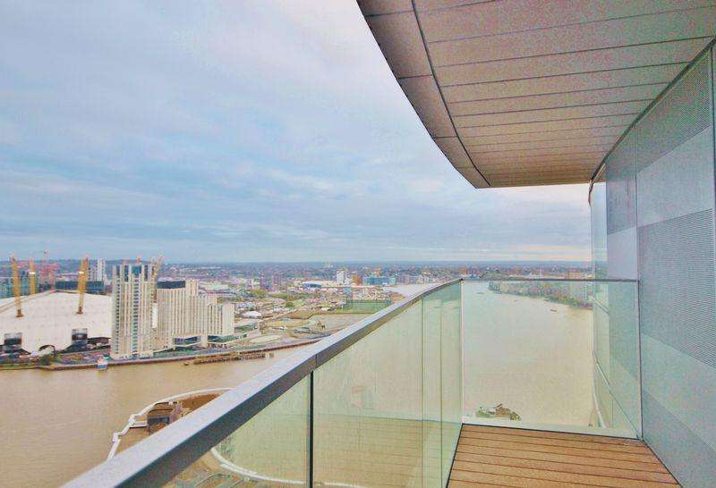 2 Bedrooms Apartment Flat for sale in Charrington Tower, Biscayne Avenue, Canary Wharf