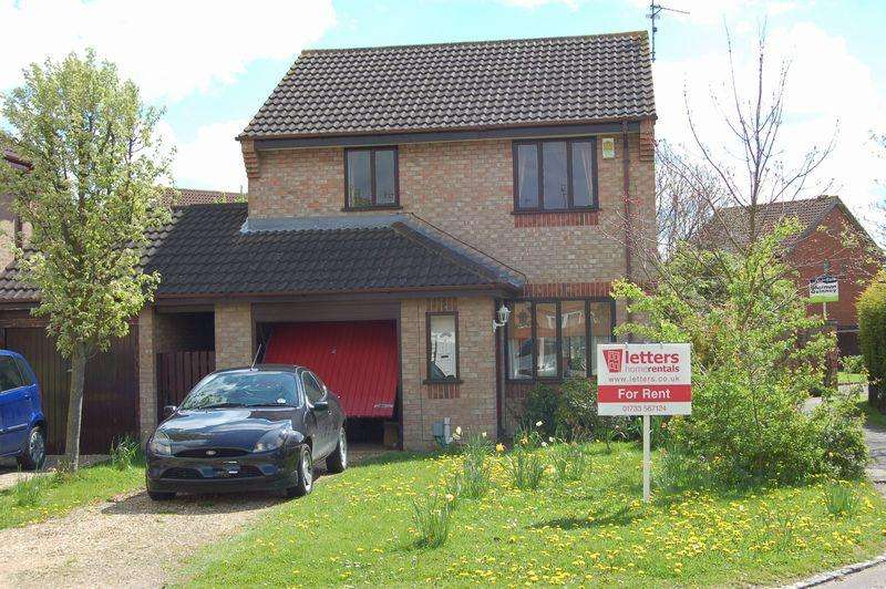 3 Bedrooms Detached House for rent in Caldbeck Close, Gunthorpe, PETERBOROUGH, PE4