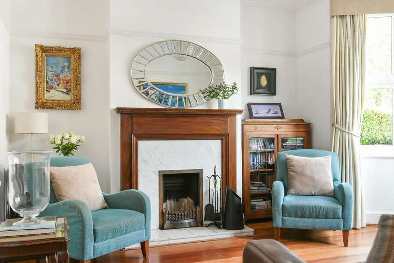 4 Bedrooms Terraced House for sale in Danecroft Road, Herne Hill