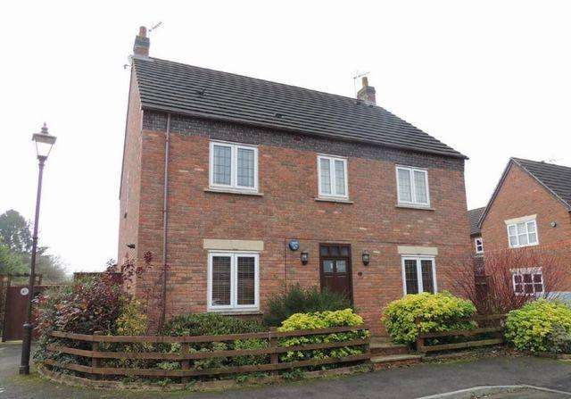 2 Bedrooms Maisonette Flat for rent in Whitchurch Lane, Dickens Heath, Shirley, Solihull, B90