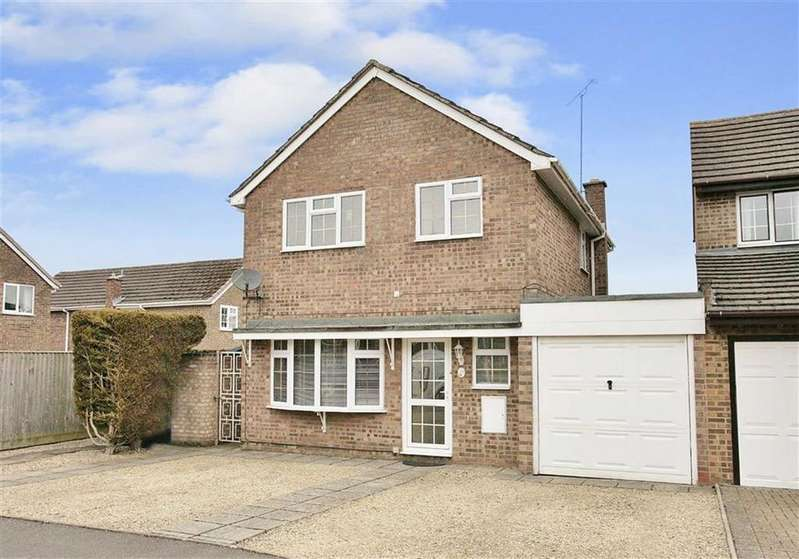 4 Bedrooms Link Detached House for sale in Poplars Road, Chacombe