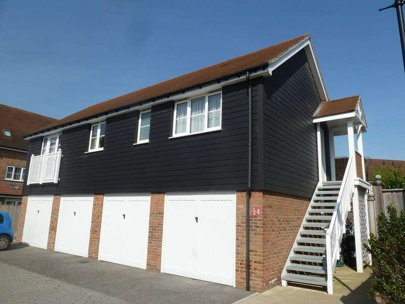 2 Bedrooms Apartment Flat for rent in Hambrook Road, Holborough Lakes
