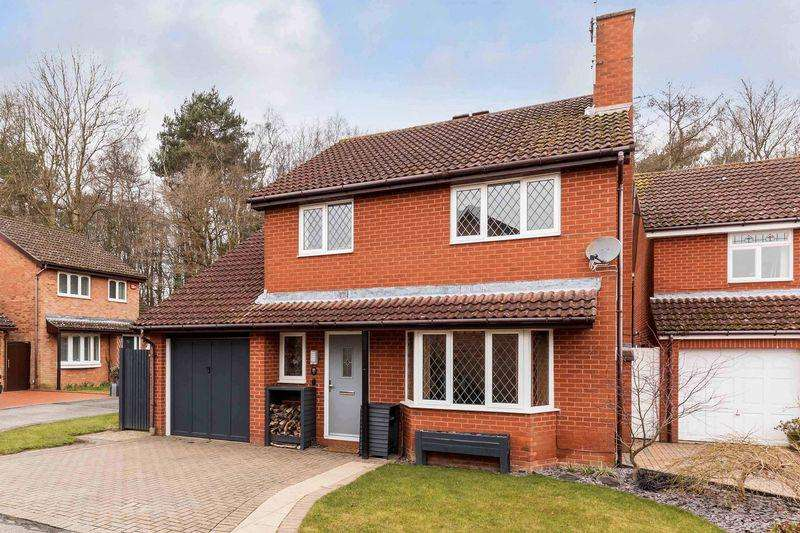 5 Bedrooms Detached House for sale in Kassel Close, Waterlooville