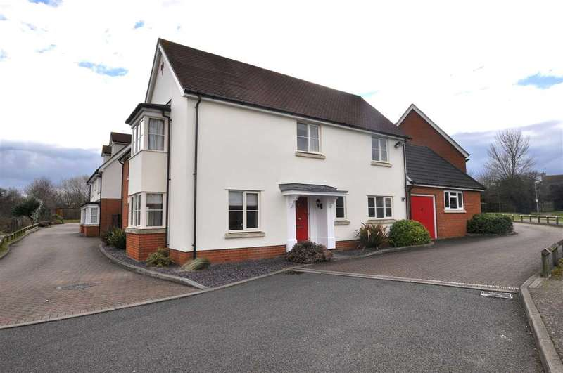 4 Bedrooms Link Detached House for sale in Waterson Vale, Chelmsford