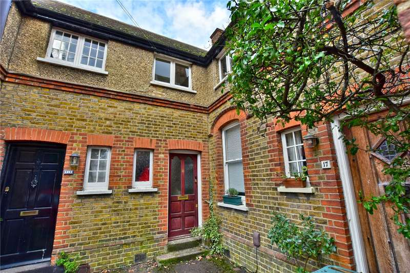 2 Bedrooms End Of Terrace House for sale in Dickinson Square, Croxley Green, Hertfordshire, WD3