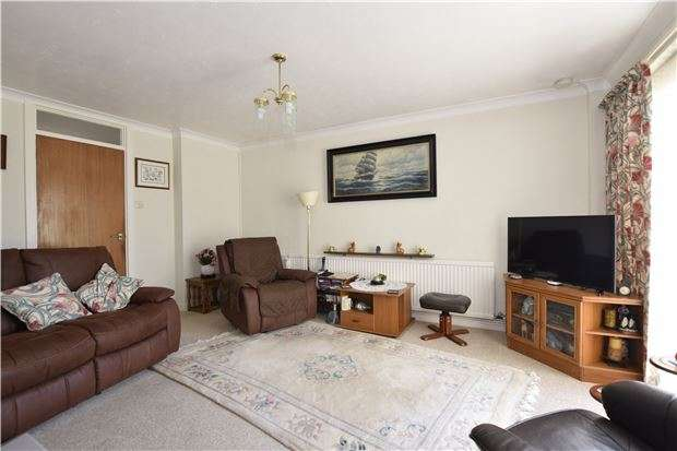 3 Bedrooms Detached Bungalow for sale in Sandown Way, BEXHILL-ON-SEA, East Sussex, TN40 2NL