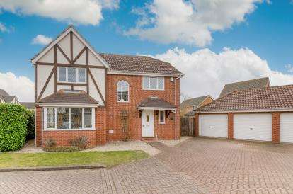 4 Bedrooms Detached House for sale in Easby Abbey, Bedford, Bedfordshire