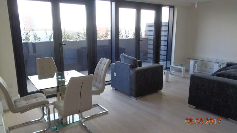 3 Bedrooms Apartment Flat for rent in Penthouse Apartment, The Dock Office, Trafford Way, Salford, M50 3XB