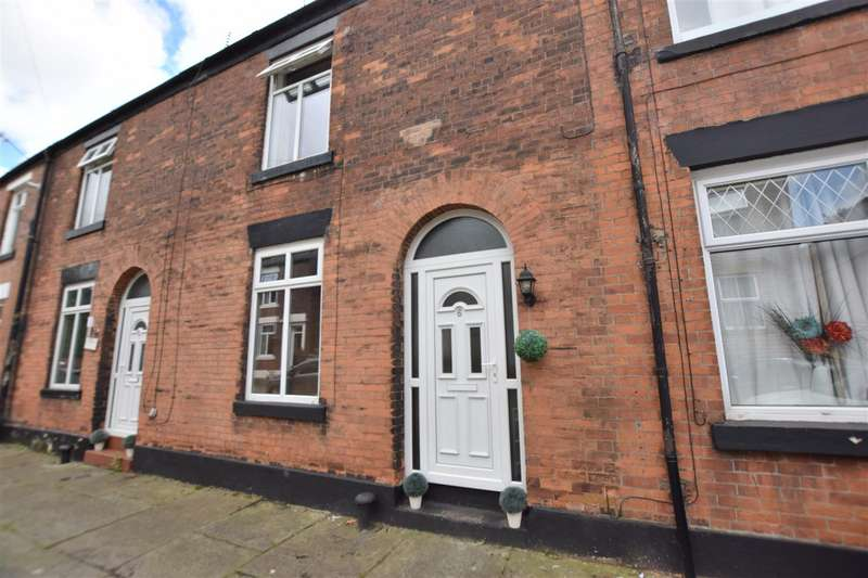 2 Bedrooms Terraced House for rent in Chadwick Street, Rochdale