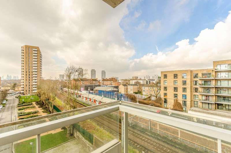 3 Bedrooms Flat for sale in Marner Point, Bow, E3